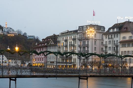 Dois Dias Bem Aproveitados São O Suficiente, Três A Quatro Dias Se Quiserem  Explorar Outras Pequenas Cidades à Volta Do Lago De Lucerna.
